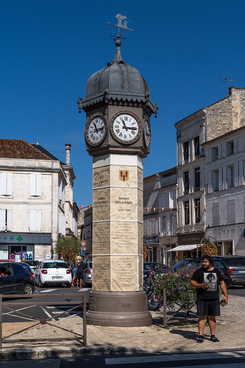Architecture / Rues / Ambiance de ville / Paysages urbains - Page 40 180815015018925060