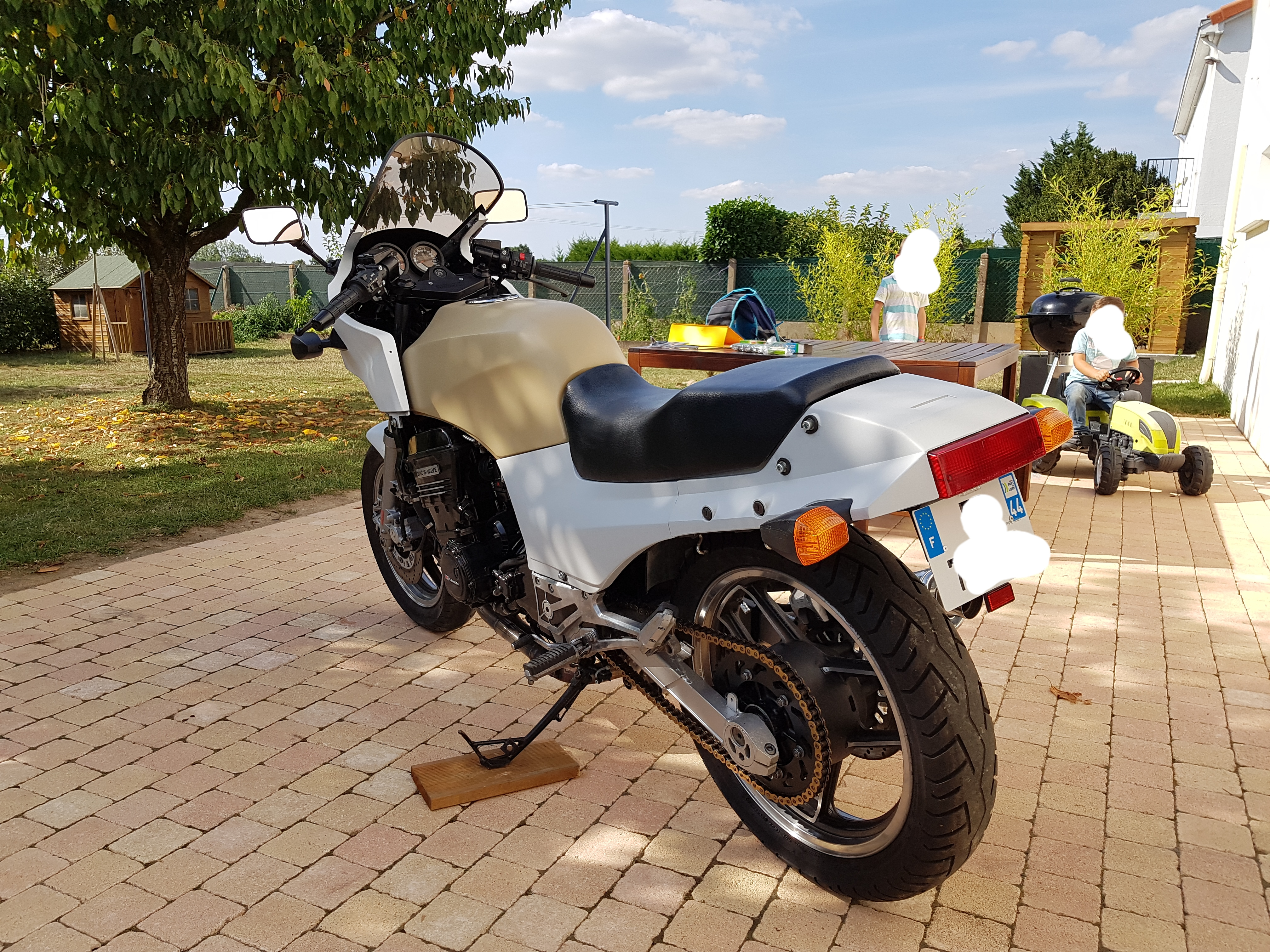 [Edit] Restauration d'une Kawa GPZ900R  - Page 8 180903094514654214