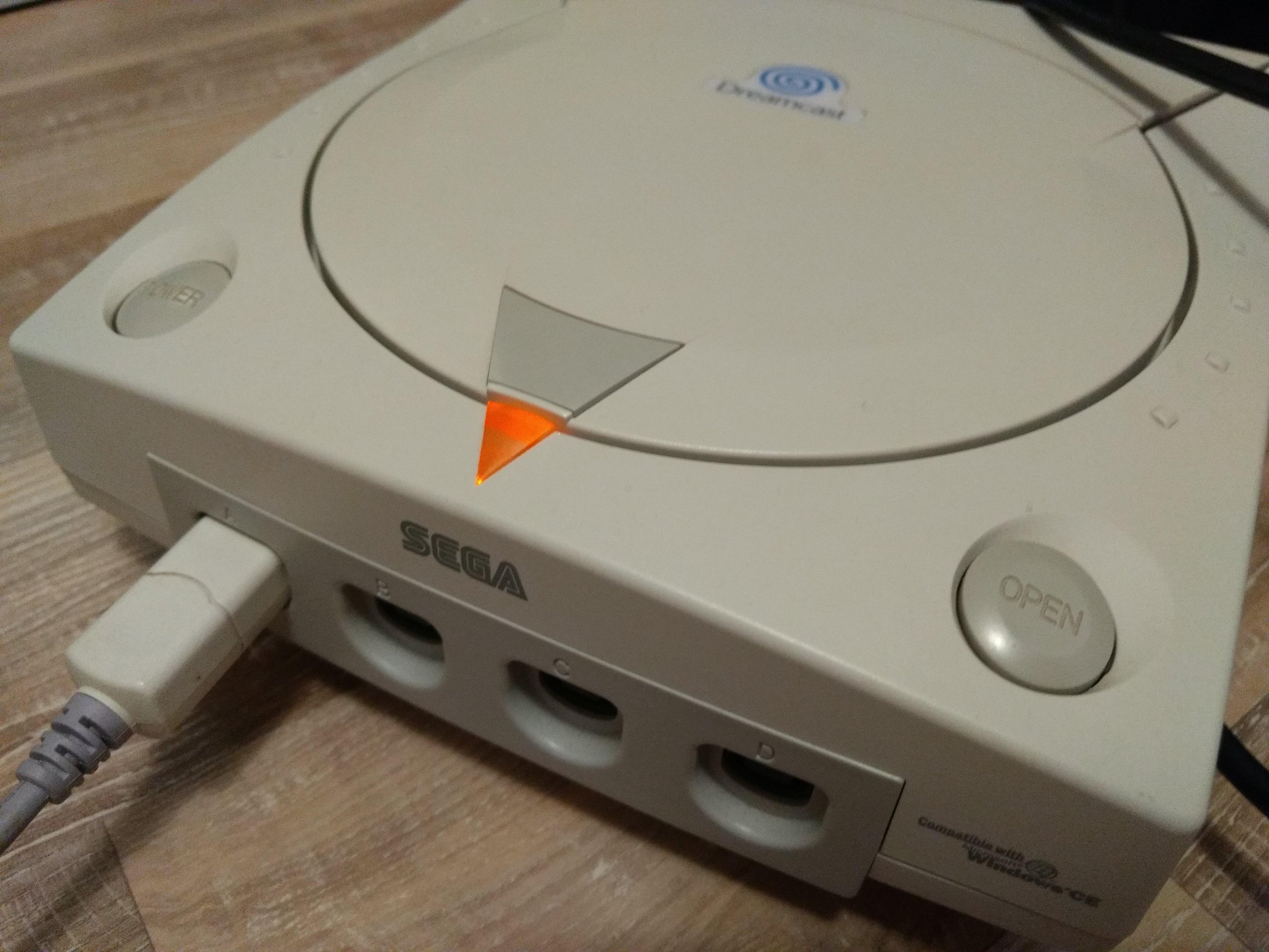 [EST] Dreamcast (cables + 1 manette) 180909034804728062