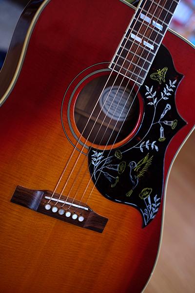 Gibson Hummingbird 180914042453203295