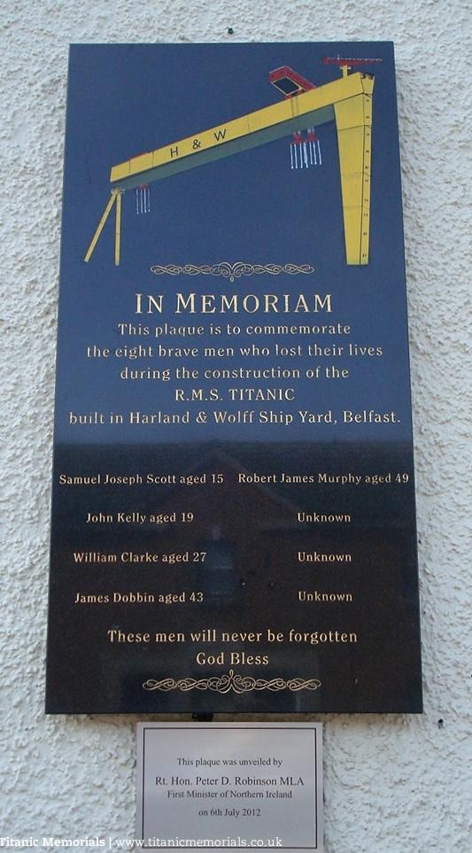 Mémorial pour les ouvriers morts pendant la construction 180915075845290937