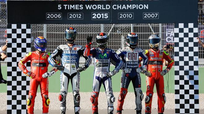 motogp-valence-2015-jorge-lorenzo-2-268043-0@1x