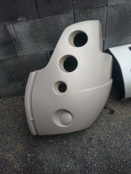 A vendre parechoc avant et une aile avant gauche  model 2011 181023050644841801