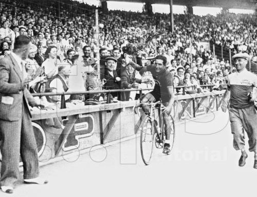 Histoire du cyclisme  181023064934865048