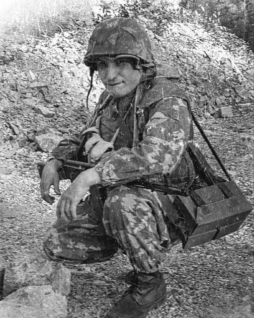 Sappeur soviétiques en afganistan.  181028120729461704