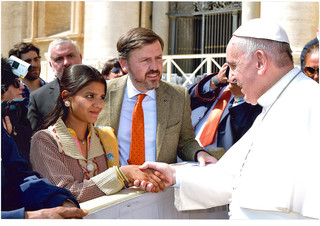Pakistan-Chrétiens, Esclaves brûlés vifs!!  18103103551275557