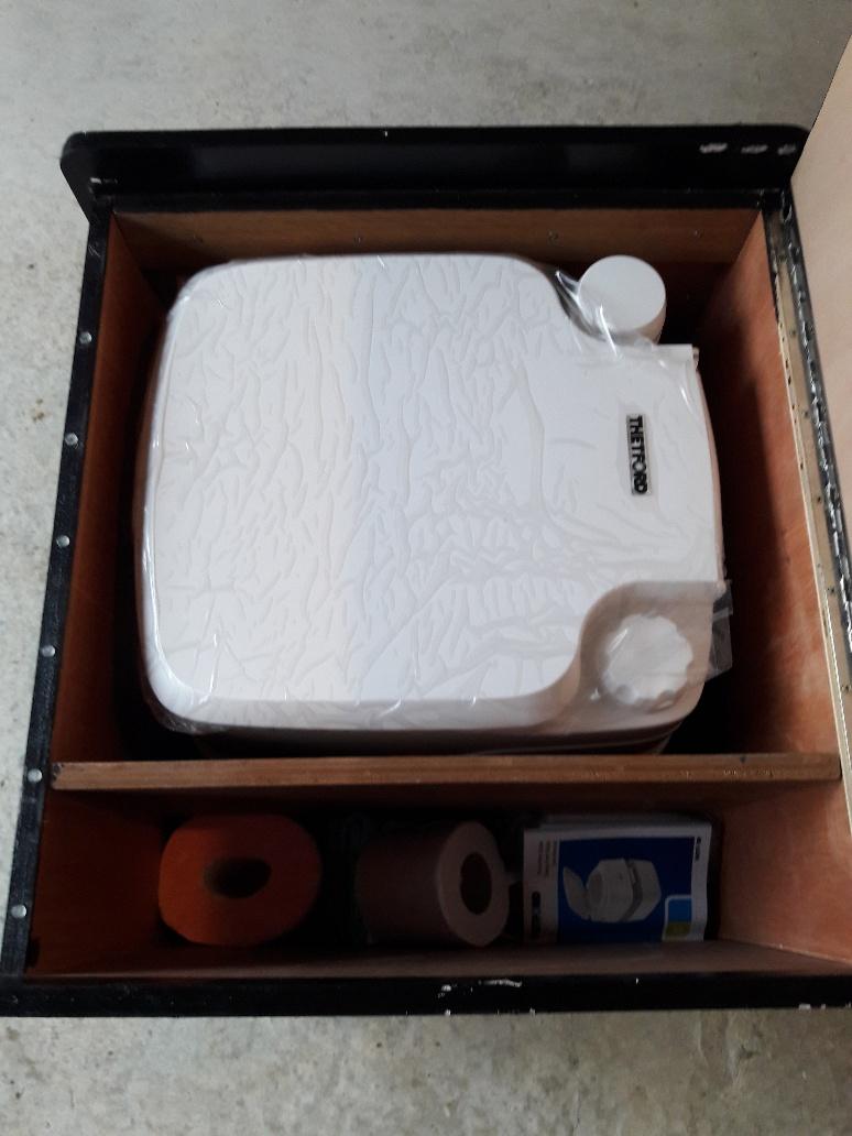 Coffre Pouf pour WC chimique  181117044838317673