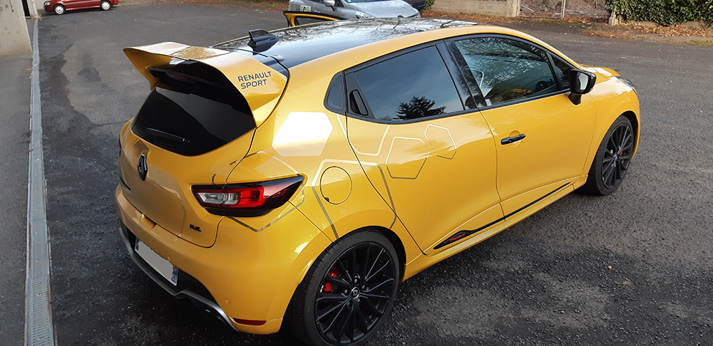 63 clio 4 rs trophy jaune sirius flexfuel photos vid os p 5 page 5 clio rs concept. Black Bedroom Furniture Sets. Home Design Ideas