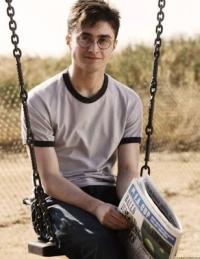 HP 5 : Scène supprimée : Harry Potter lis un journal moldu Mini_181129041816727413