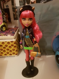 [Vente] Monster High Howleen, Venus & Avéa Trotter Mini_181210102507814608
