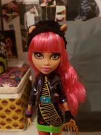 [Vente] Monster High Howleen, Venus & Avéa Trotter Mini_181210102815126410