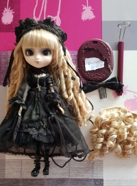 VENDS Pullip Seila, Shanria avec outfit Nina,Taeyang William Mini_181213093959153145
