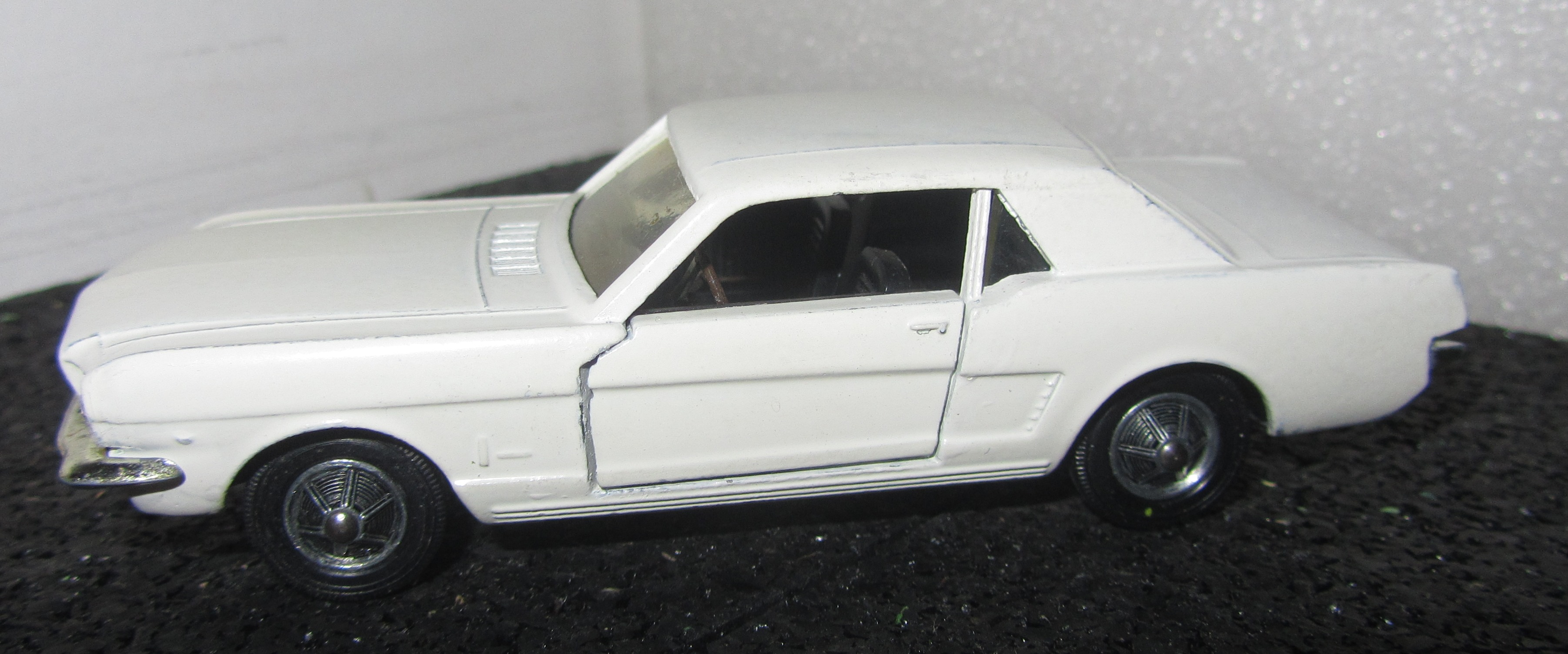 Solido n° 147 bis - Ford Mustang 181218120233119424