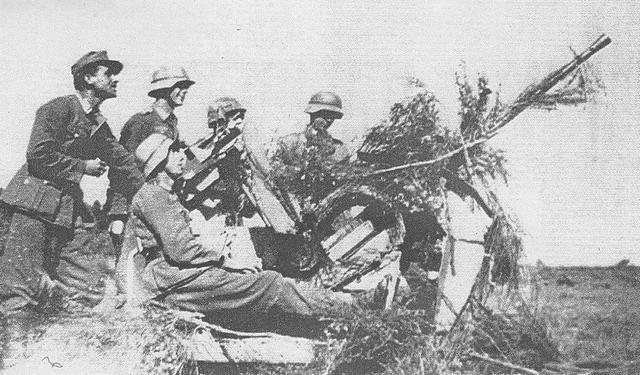[Photos] Véhicules des troupes allemandes en Auvergne ! 181222083328615519