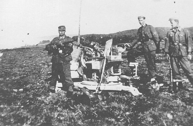 [Photos] Véhicules des troupes allemandes en Auvergne ! 181222083718258321