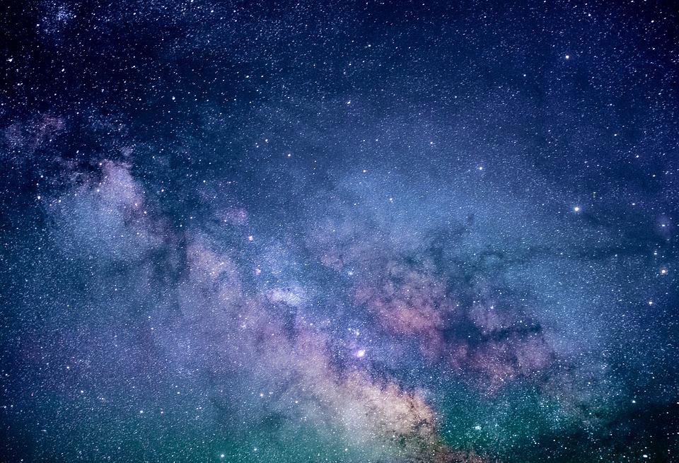 astronomy-1867616_960_720