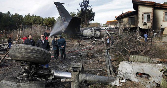 Fatal-plane-crash-at-Fath-Airport-in-Karaj-680x360